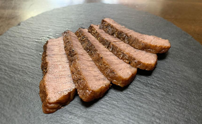牛もも肉ステーキ 燻製